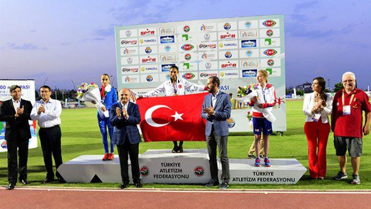 Avrupa 10 Bin Metre Koşusu'nda Türkiye'ye Altın Madalya