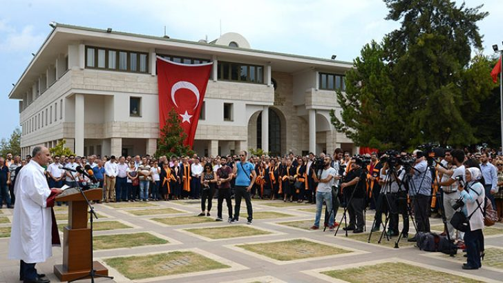 Mersin Üniversitesi'nden Cumhuriyete ve Demokrasiye Bağlılık Açıklaması