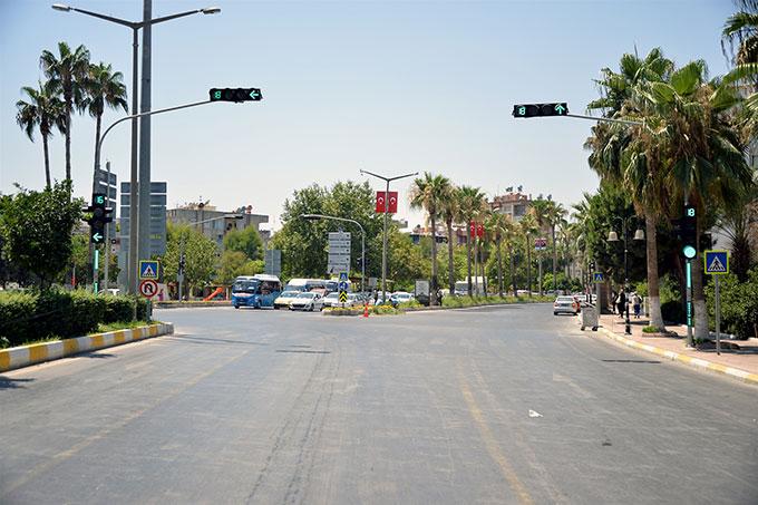Büyükşehir Belediyesi Trafiği Rahatlatmaya Çalışıyor