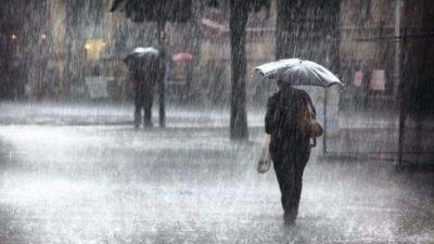 Şiddetli Yağış Mersin'de Okulları Tatil Ettirdi