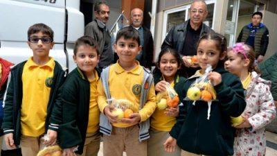Mersin Büyükşehir'den Yerli Malı Haftası Etkinliği