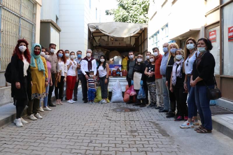 Mut'lu Üretici Kadınlardan İzmir'e Destek