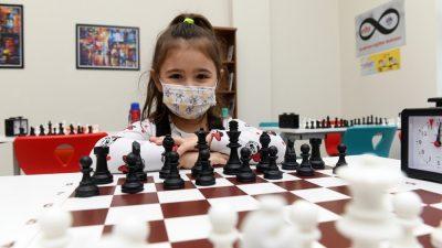 Yenişehir Akademi'de Satranç Kursları Başladı