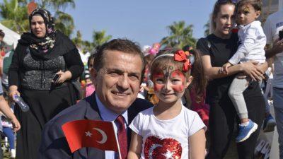 Başkan Özyiğit 23 Nisan'ı Kutladı
