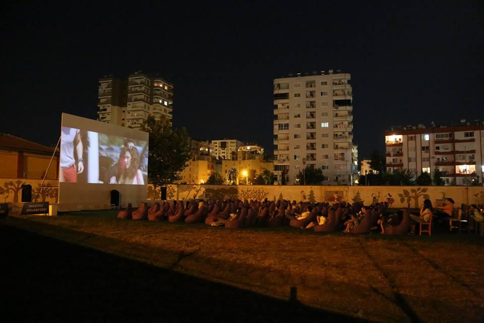 Mezitli'de Yazlık Sinema Sezonu Başladı