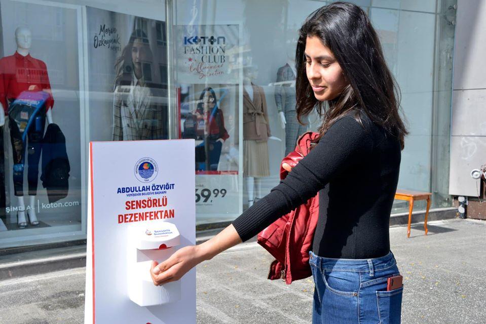 Yenişehir'de Sensörlü Dezenfektanlar Yaygınlaştırıldı