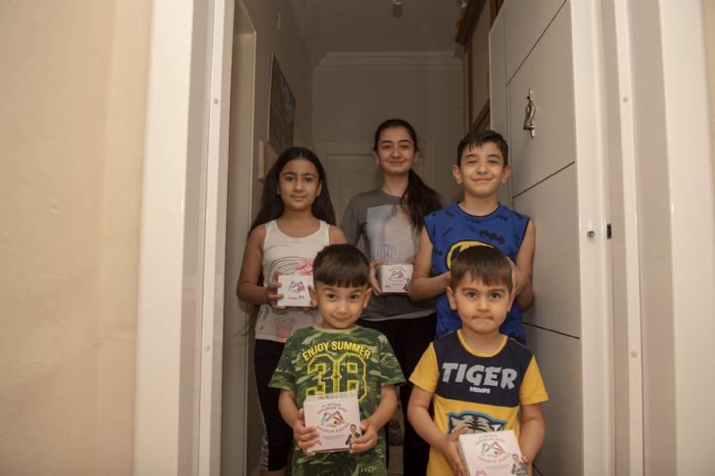 Bu Bayram Çocuklar Evde Şekerler Kapıda